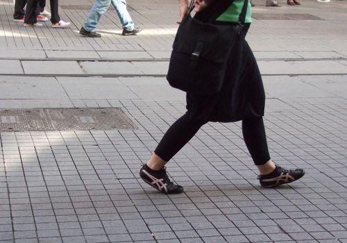 Girl_with_leggings_in_Istanbul