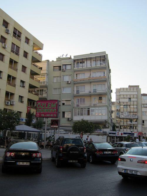 Izmirs Leaning Building 2