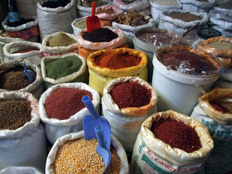 Spices in the Mardin pazar